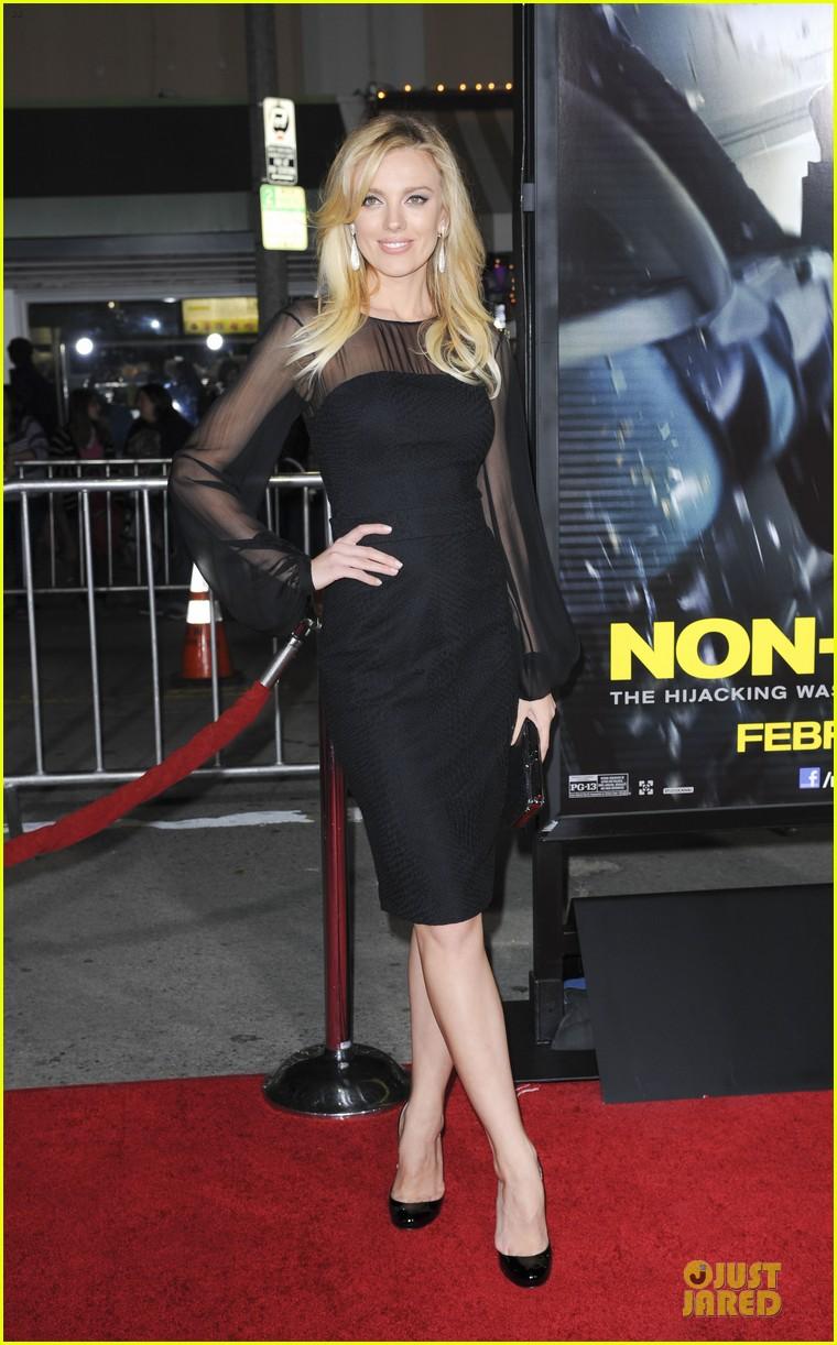 sarah paulson supports jason butler harner at non stop premiere 10