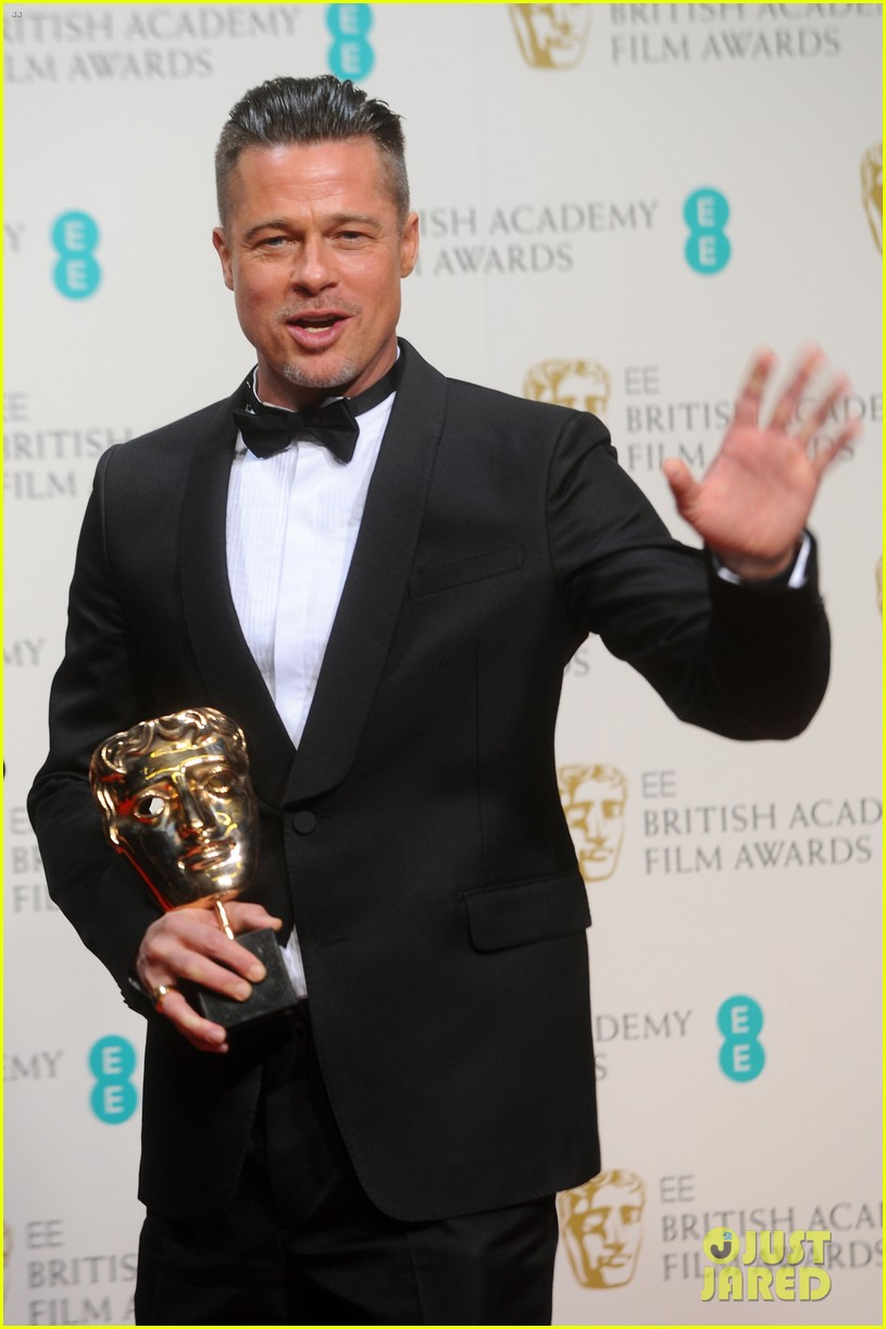 brad pitt wins best film at baftas 2014 watch video here 05