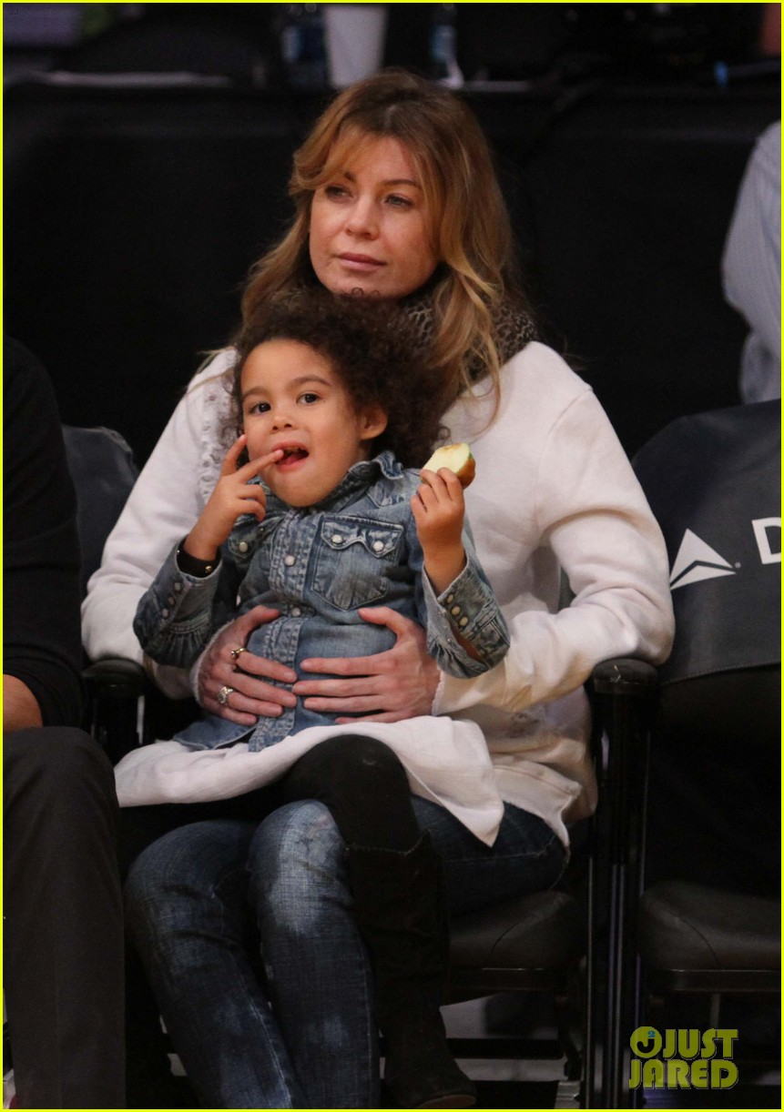 ellen pompeo will ferrell lakers courtside seats with the kids 05