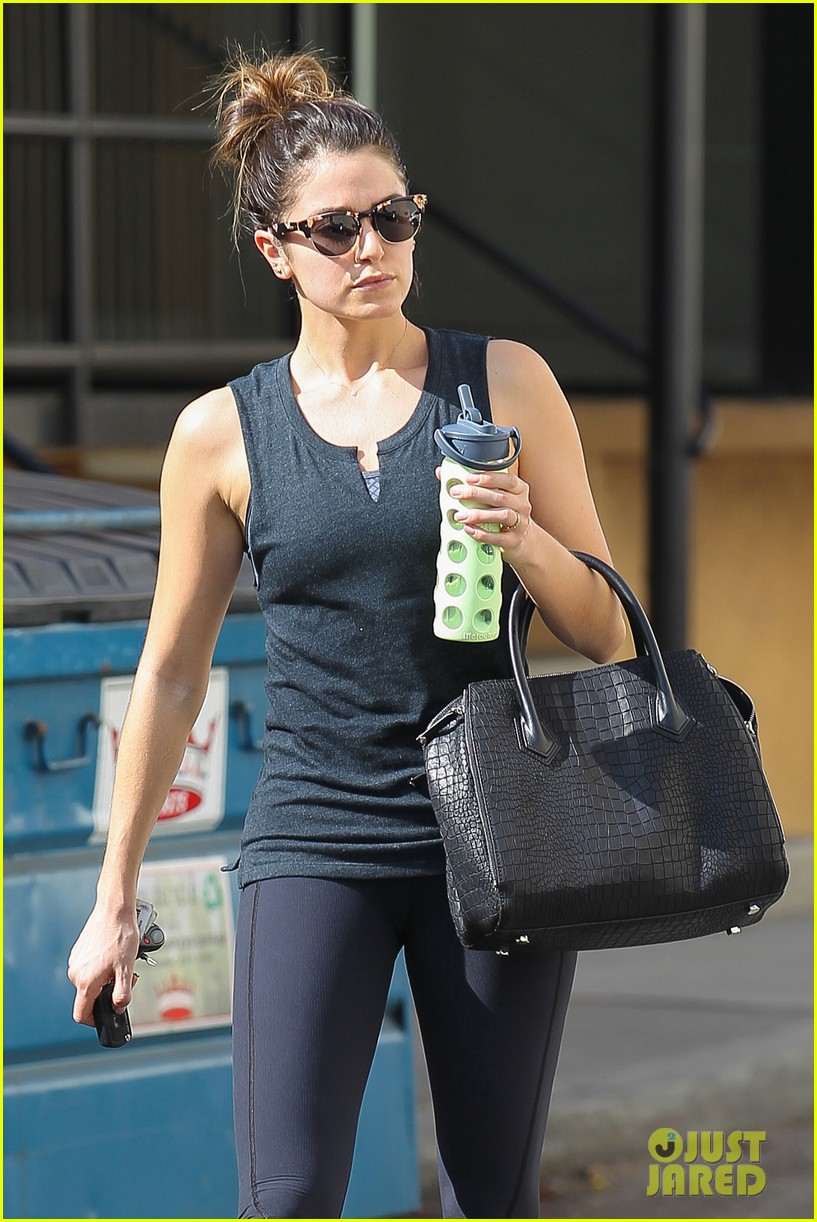 nikki reed keeps in shape with daily workout 063060899