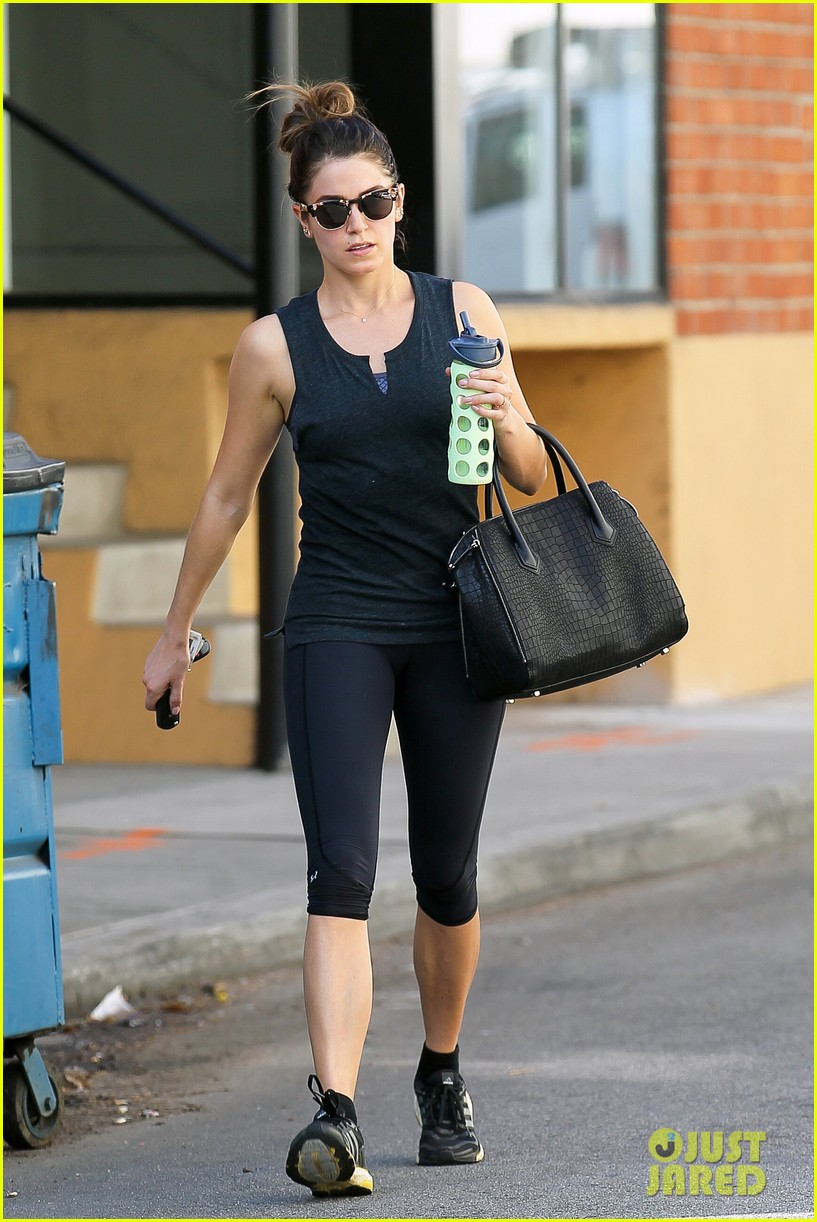 nikki reed keeps in shape with daily workout 11