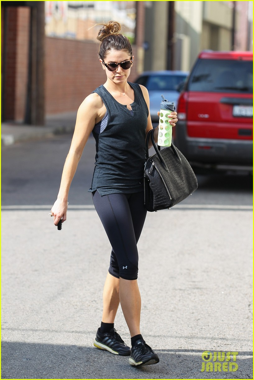 nikki reed keeps in shape with daily workout 14