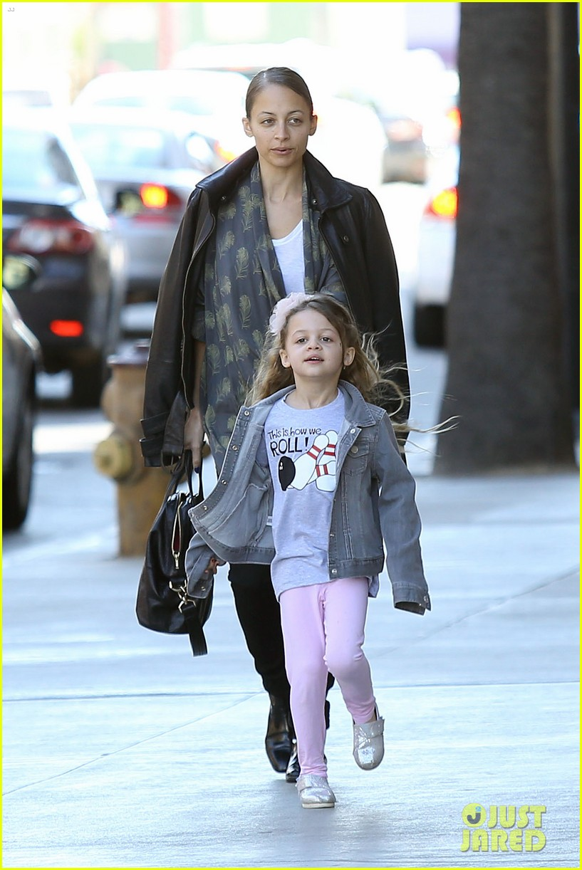nicole richie birthday party fun with cutie pie harlow 09