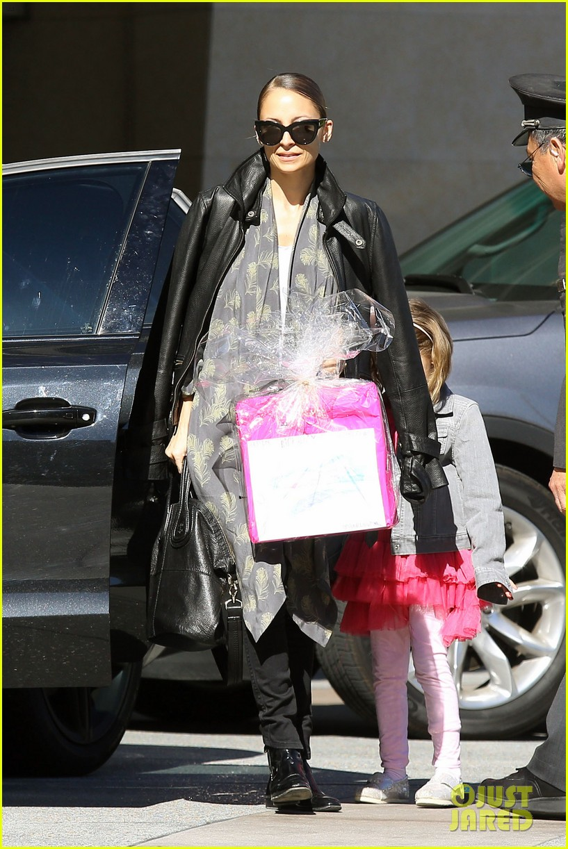 nicole richie birthday party fun with cutie pie harlow 153046774