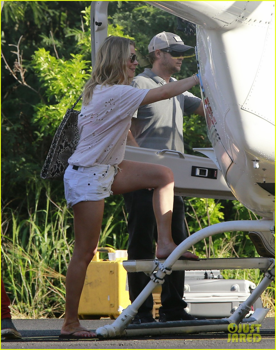 leann rimes eddie cibrian go whale watching in hawaii 07