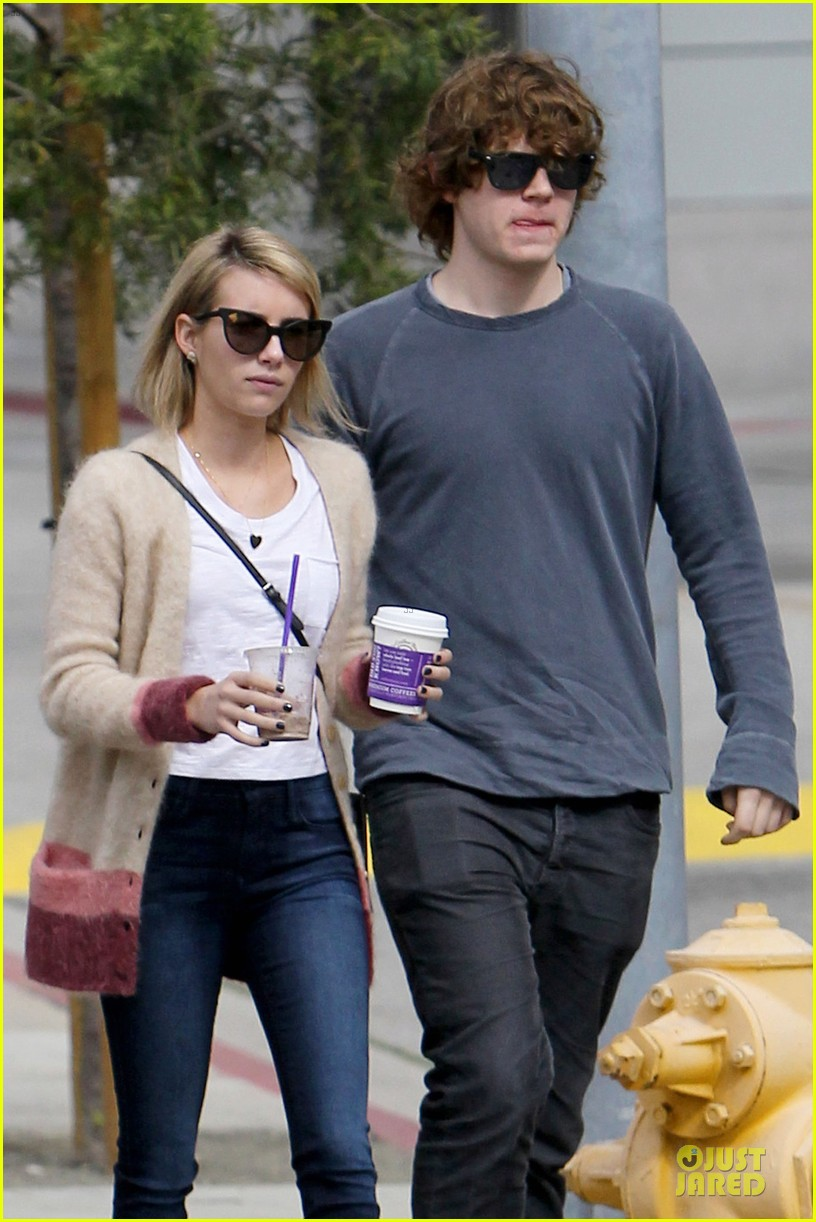 emma roberts toasts 23rd birthday with evan peters 043051157
