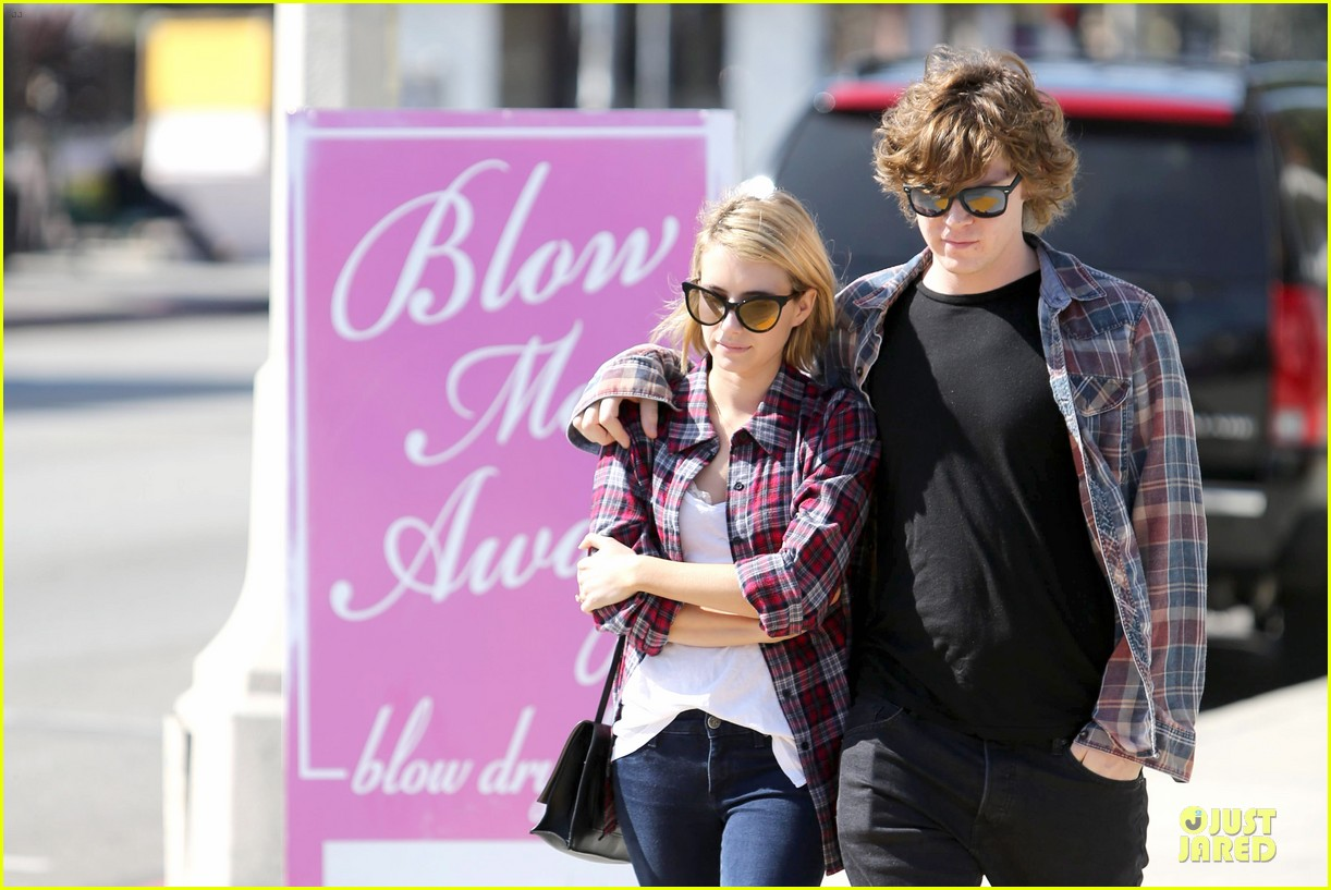 emma roberts toasts 23rd birthday with evan peters 113051164