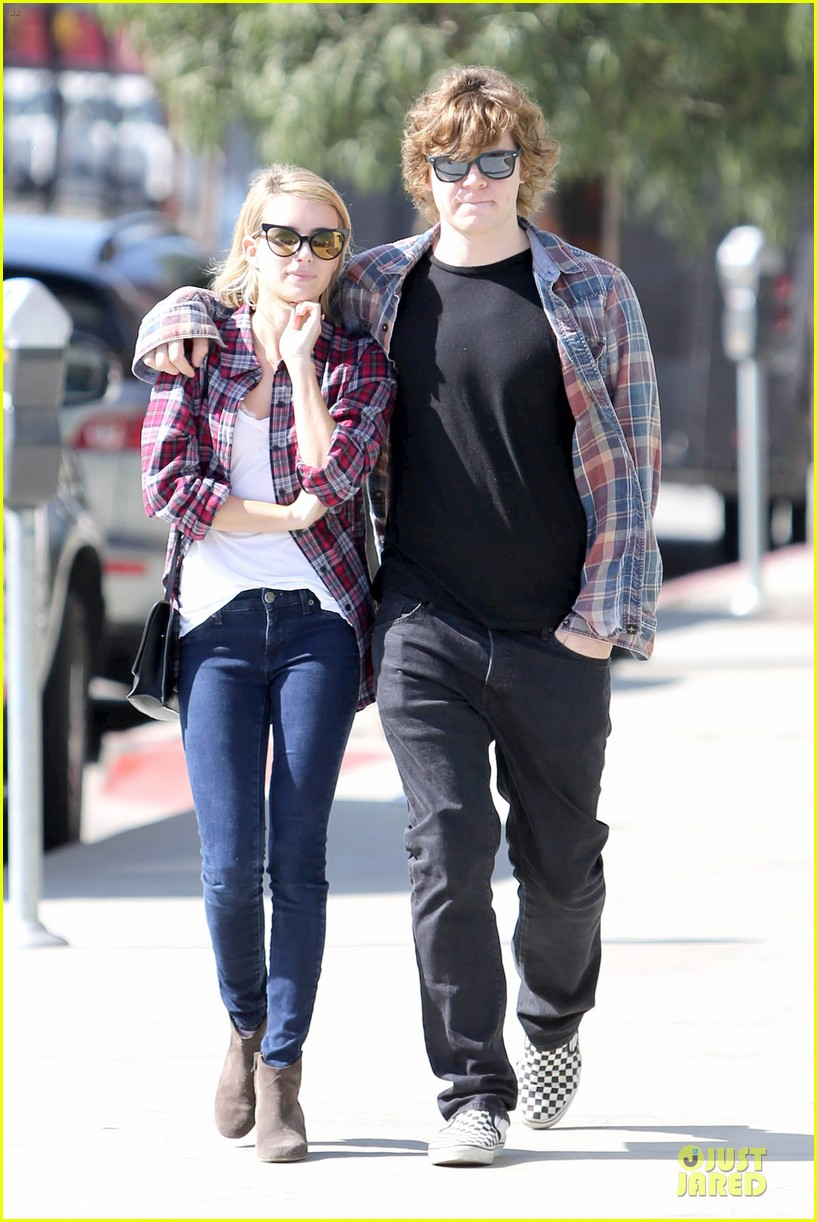 emma roberts toasts 23rd birthday with evan peters 153051168