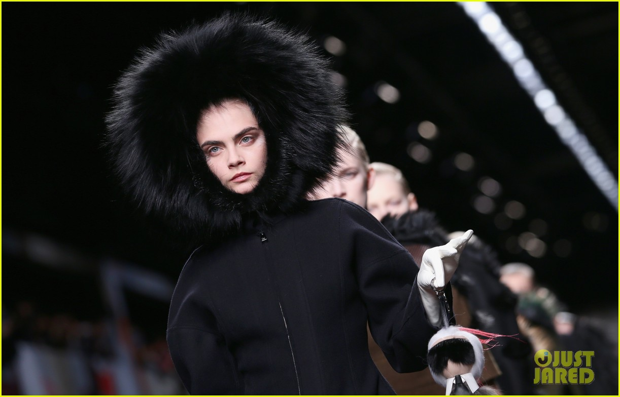 michelle rodriguez supports rumored girlfriend cara delevingne at fendi show 09
