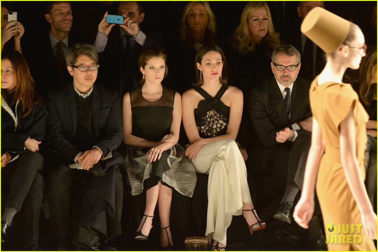emmy rossum carolina herrera yigal azrouel nyfw shows 033050657