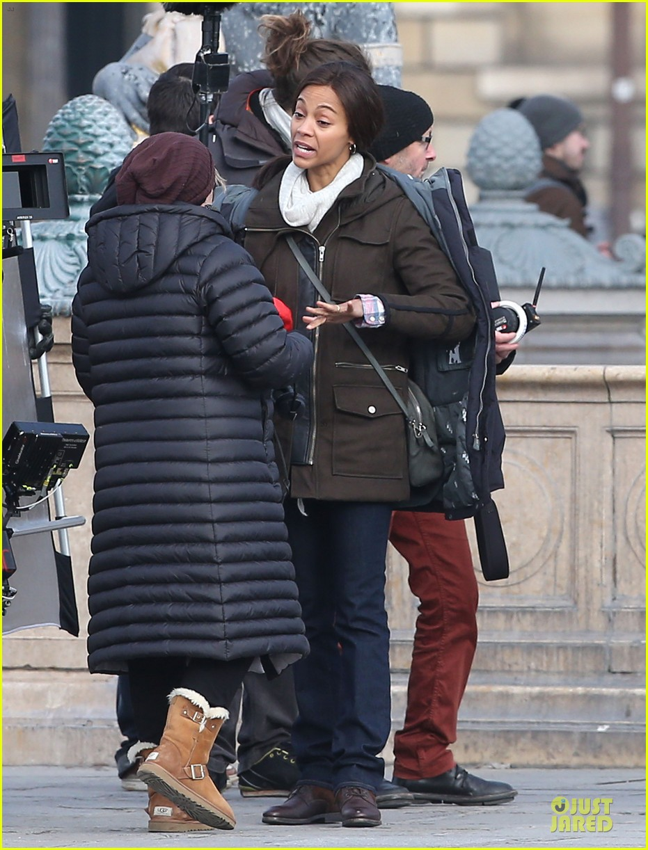 zoe saldana bundled for rosemary baby set 18