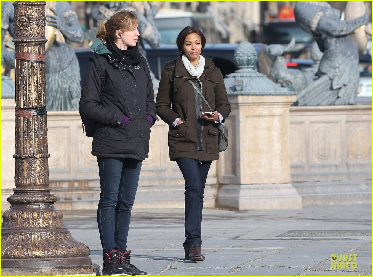 zoe saldana bundled for rosemary baby set 26