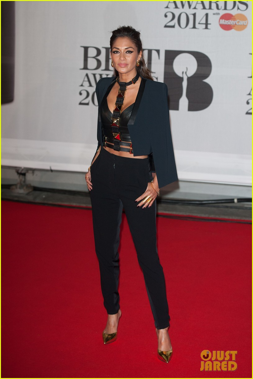 nicole scherzinger brit awards 2014 red carpet 04