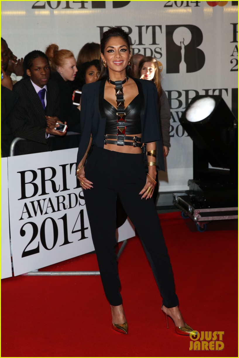 nicole scherzinger brit awards 2014 red carpet 05