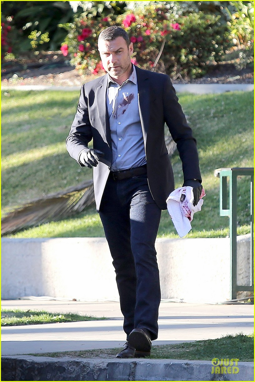 liev schreiber sports fake blood for ray donovan 133047194
