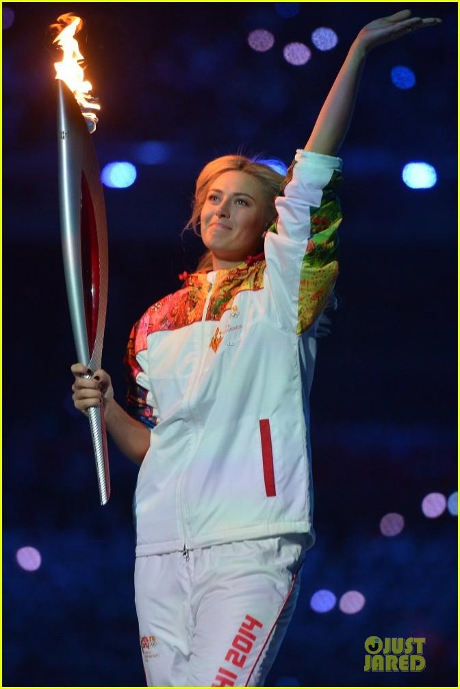 maria sharapova irina shayk sochi olympics 2014 opening ceremony 02