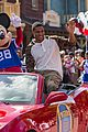 super bowl mvp malcolm smith visits disney world after big win 11