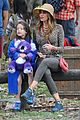 sofia vergara nick loeb sydney zoo trip with modern family co star 05