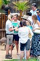 sofia vergara nick loeb sydney zoo trip with modern family co star 11