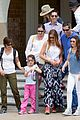 sofia vergara nick loeb sydney zoo trip with modern family co star 20
