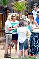 sofia vergara nick loeb sydney zoo trip with modern family co star 26