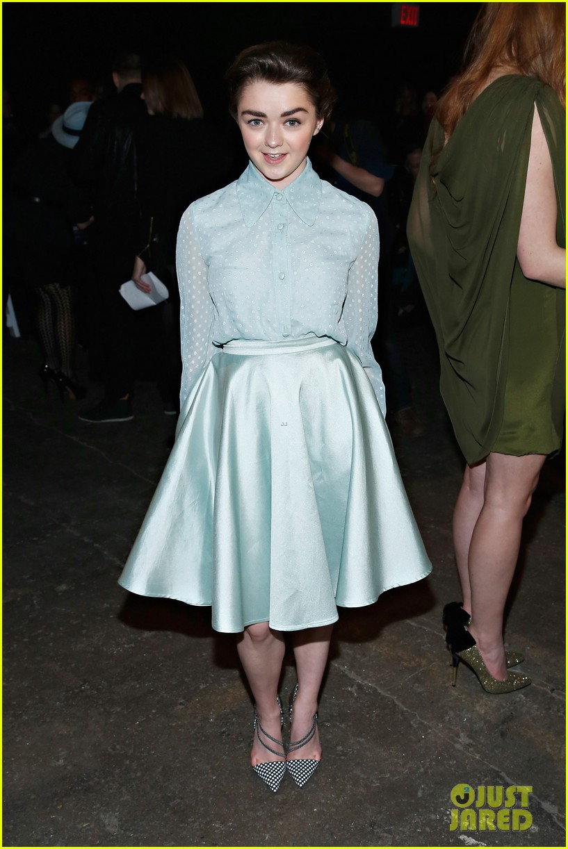 sophie turner maisie williams game of thrones girls front row christian siriano 043050141