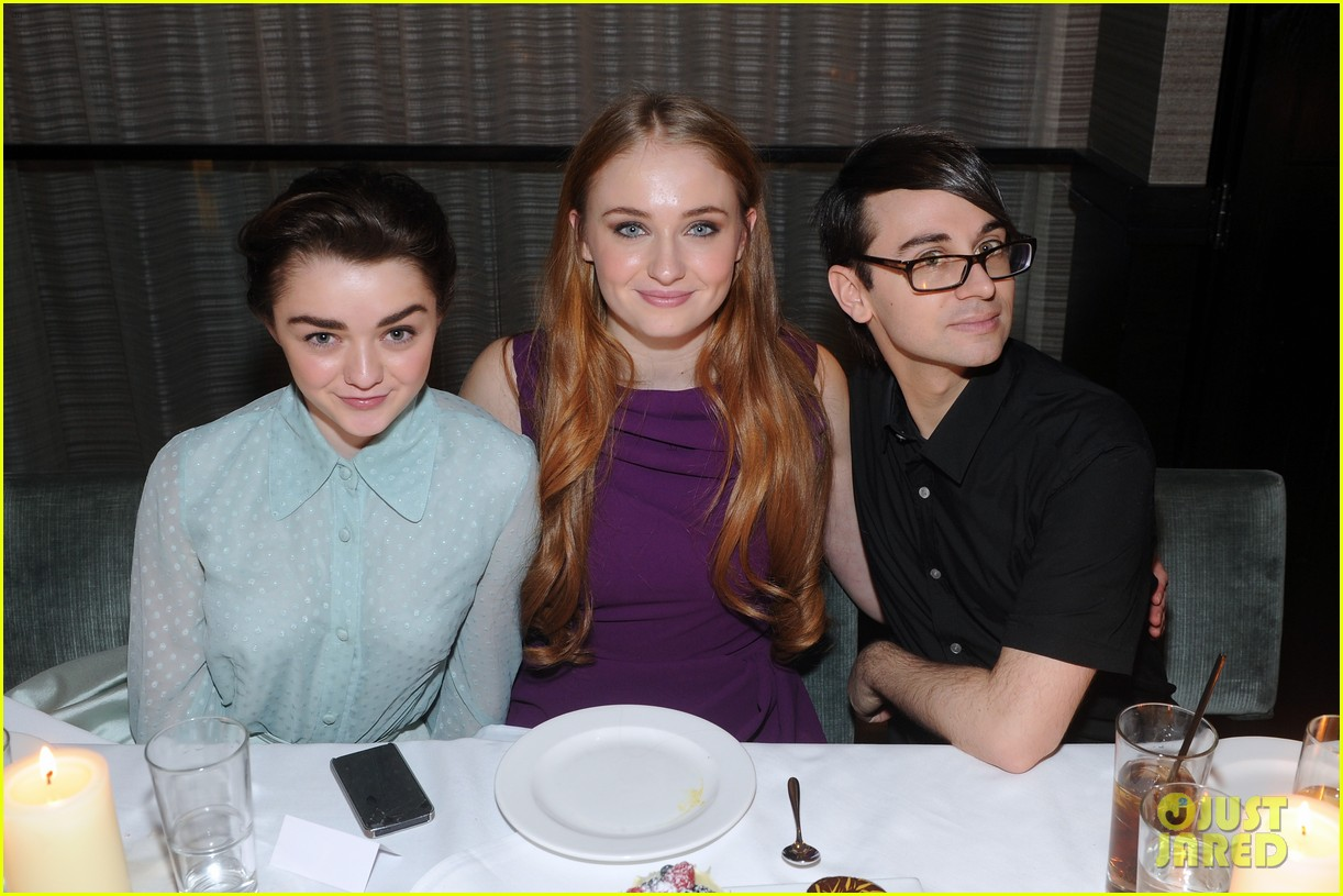 sophie turner maisie williams game of thrones girls front row christian siriano 05