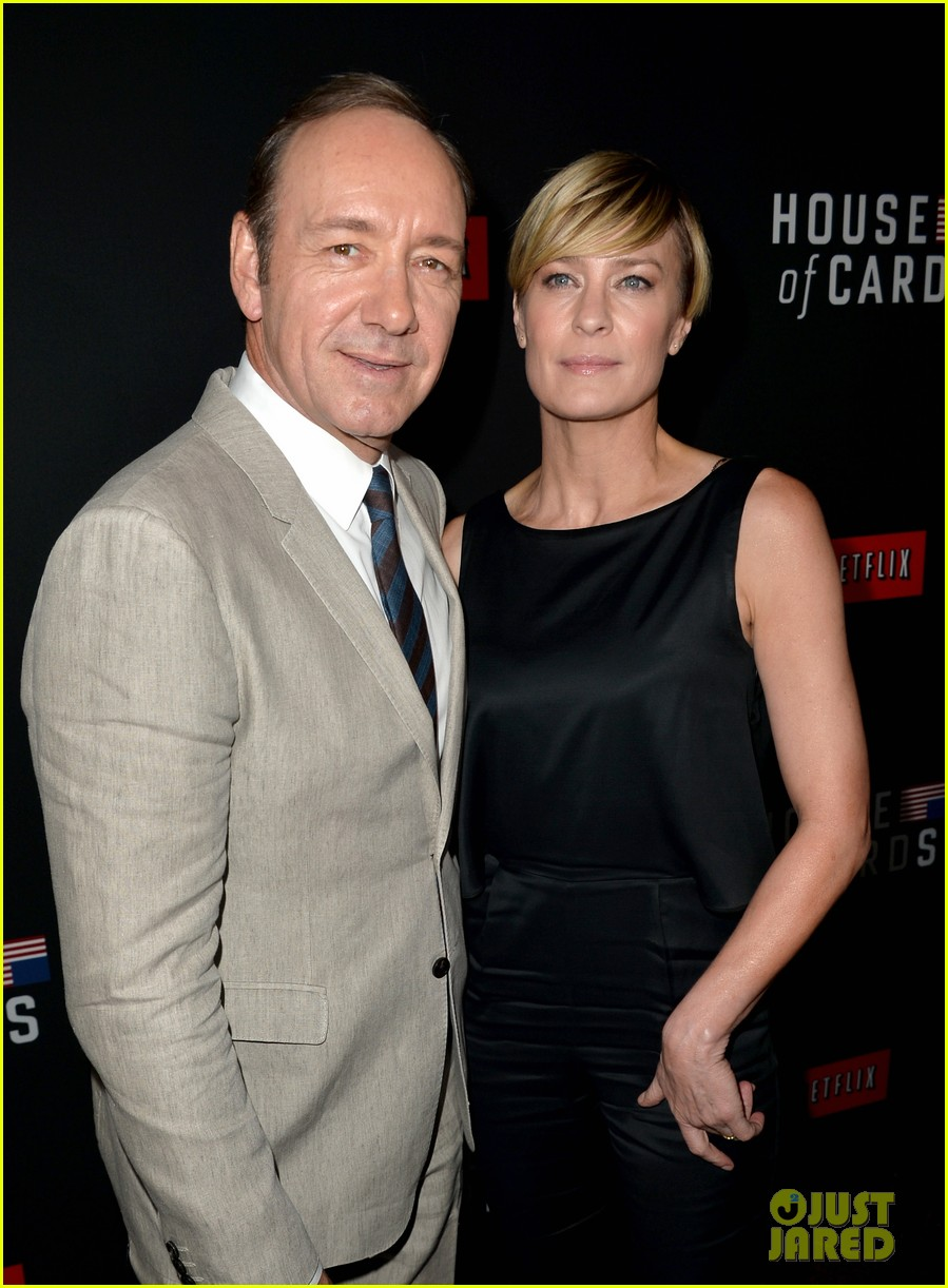 kevin spacey thinks you should binge watch house of cards 043053206