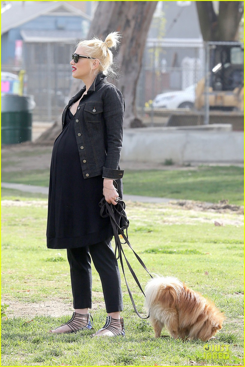 gwen stefani looks about ready to pop in brentwood 16