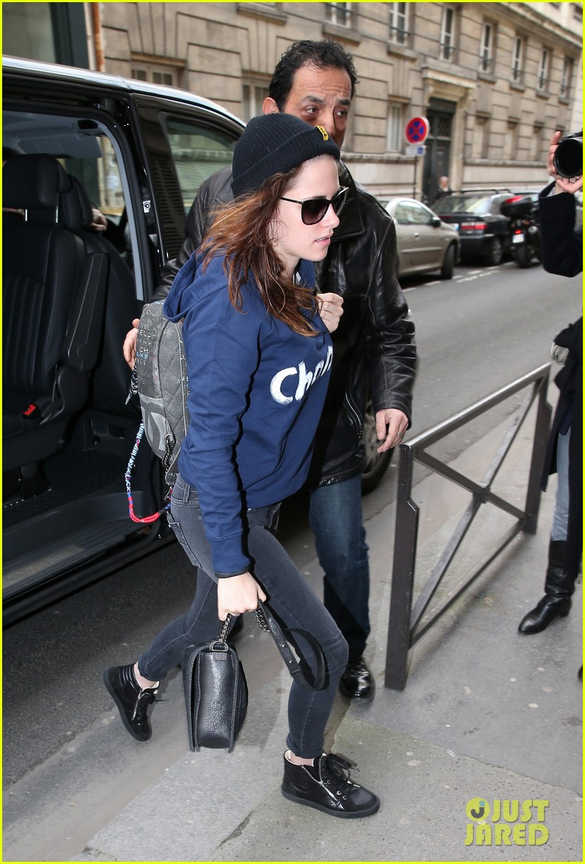 kristen stewart continues paris trip with another chanel stop 03