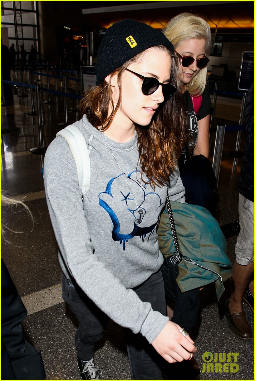kristen stewarts biggest fashion regret is from 2002 05