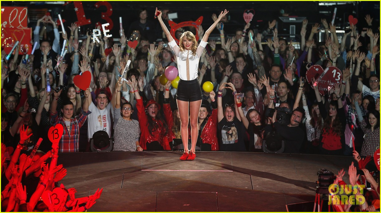taylor swift ed sheeran i see fire duet in berlin 08