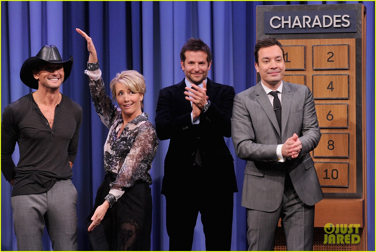 bradley cooper emma thompson play charades on fallon 043056608