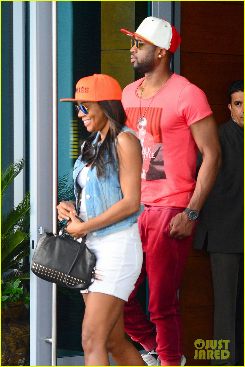 gabrielle union dwyane wade cruise around with the top down in miami 093061646