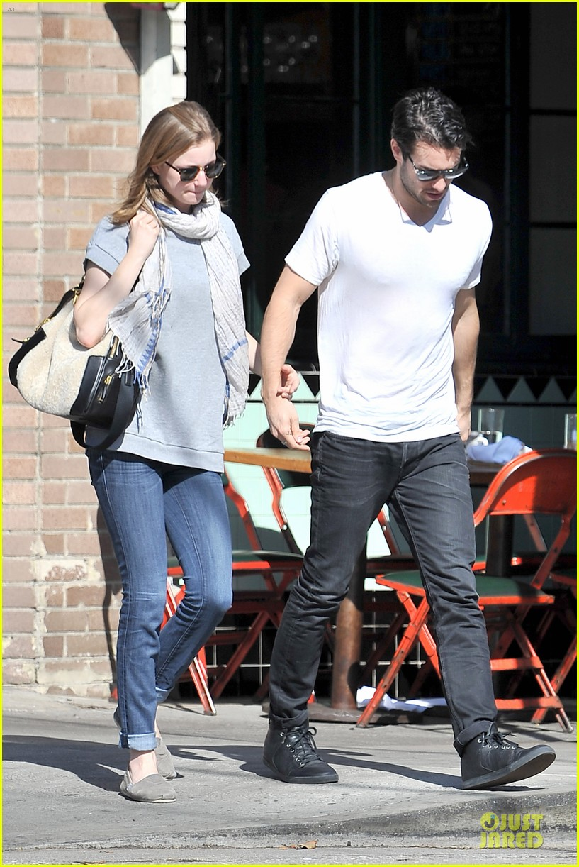 emily vancamp josh bowman hold hands before valentines day 14
