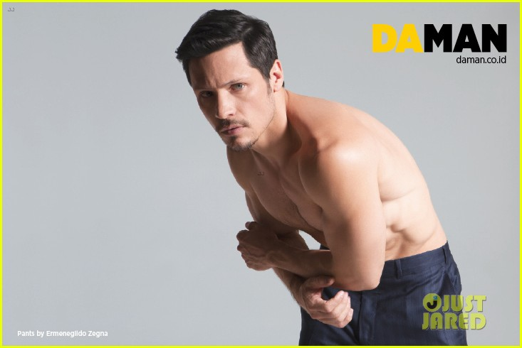 nick wechsler flashes shirtless abs for da man magazine 12