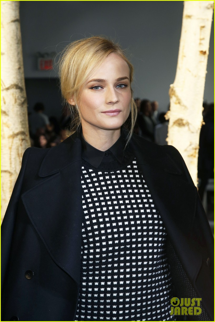 reese witherspoon diane kruger sit front row at boss show 04