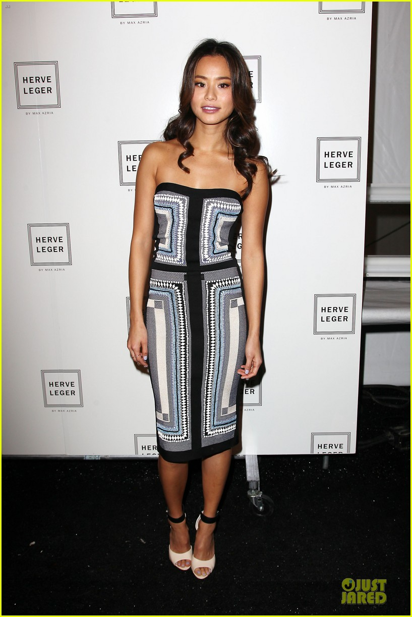 zoey deutch jamie chung herve leger by max azria fashion show 11