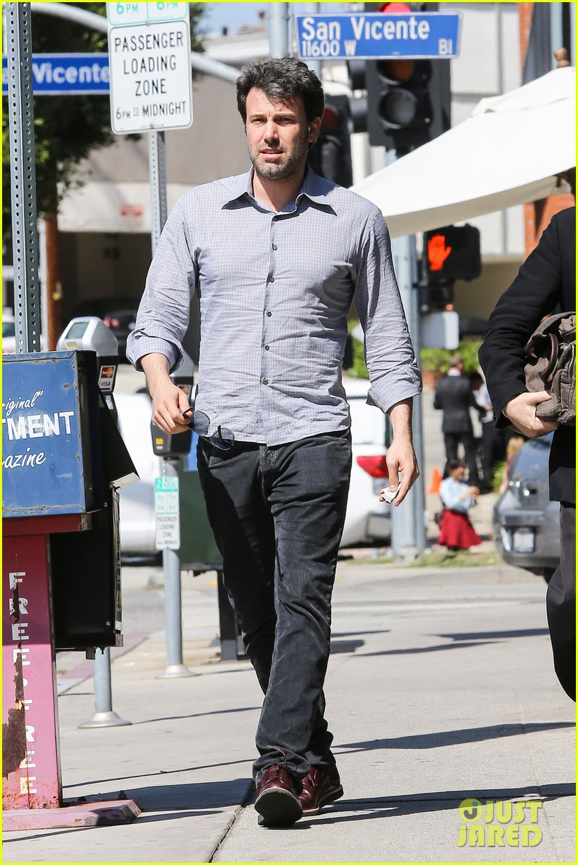 ben affleck batman face off with captain america 113071407