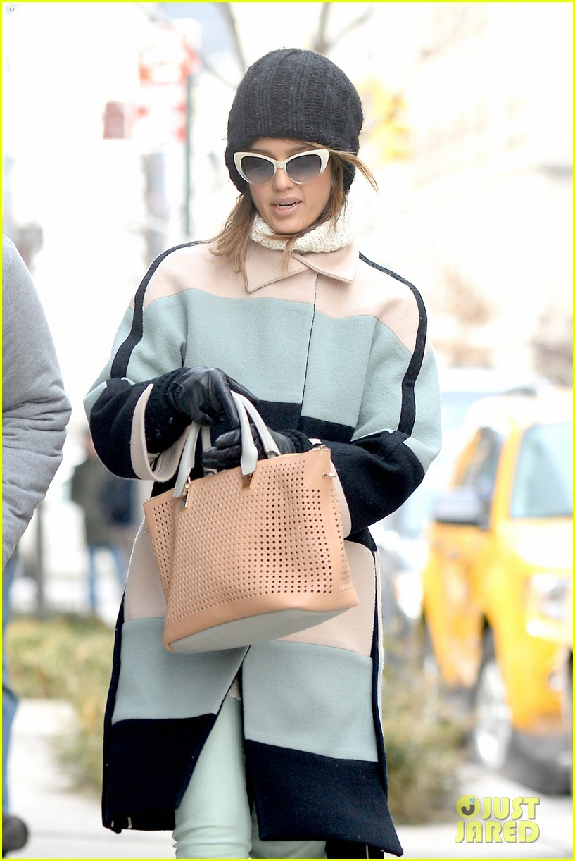 jessica alba steps out in new york city with brother joshua 053066394