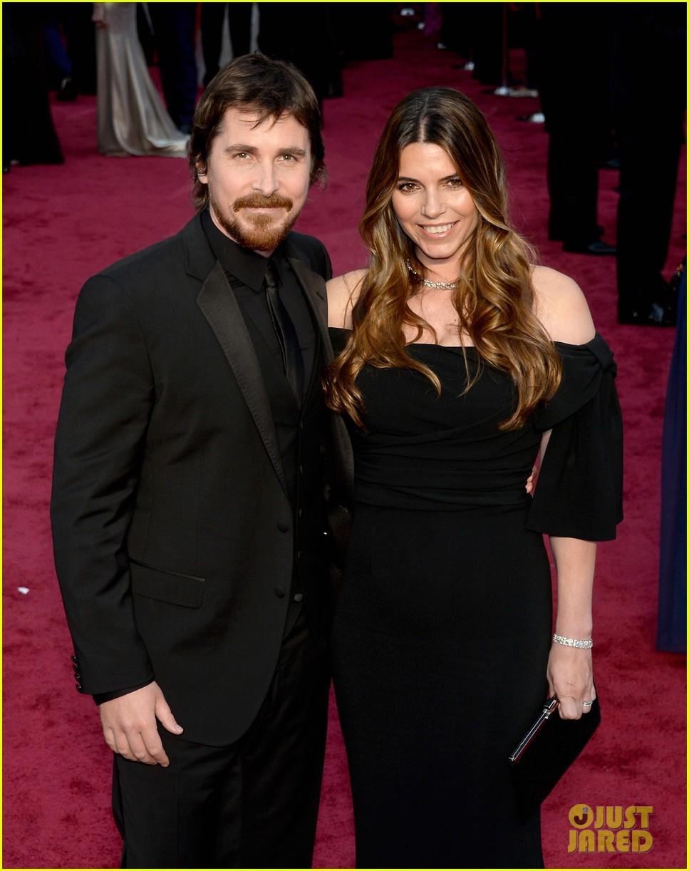 christian bale wife sibi blazic oscars 2014 red carpet 04