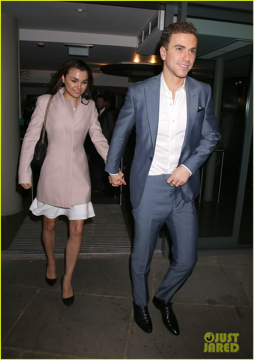 samantha barks supports richard fleeshman at his show urinetowns press night 033070385