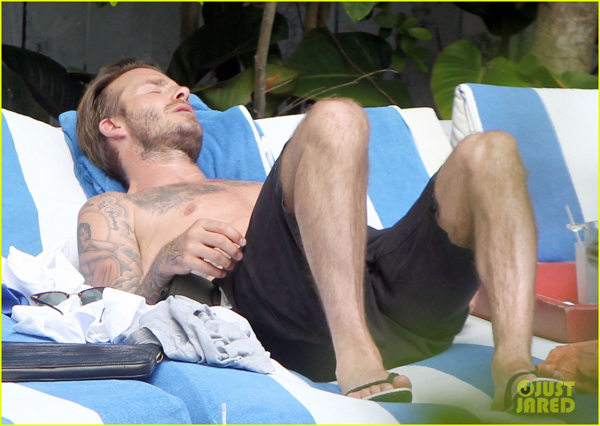 shirtless pictures of david beckham is quite the friday treat 043080568