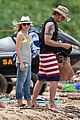 kristen bell dax shepard beach bodies hawaii 01