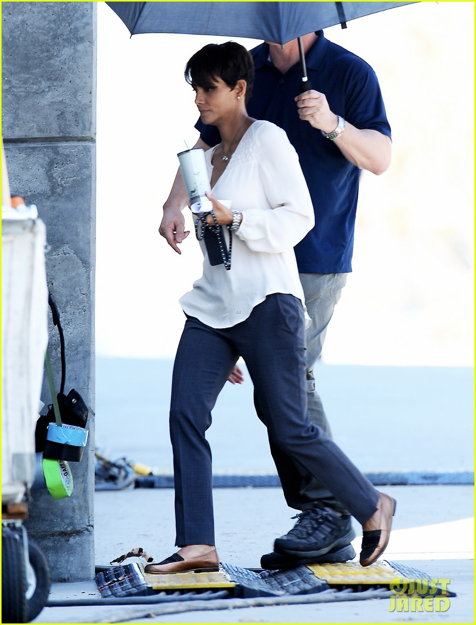 halle berry gets to work on extant 03