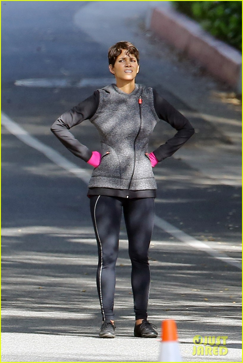 halle berry working out motivation 103075744