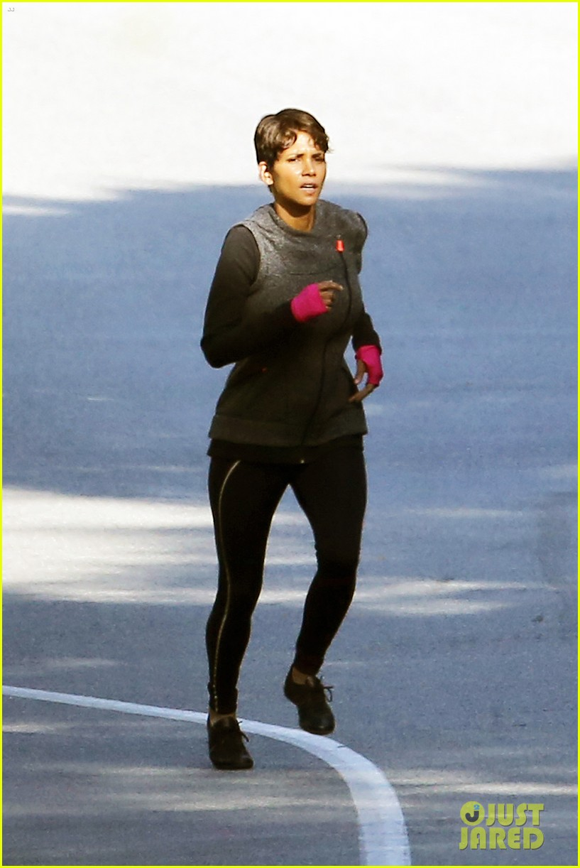 halle berry working out motivation 253075759