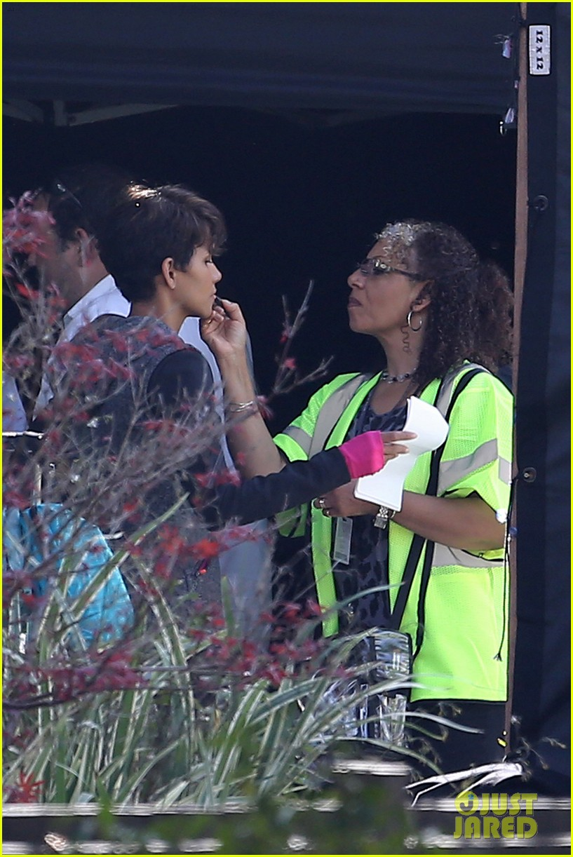 halle berry working out motivation 263075760