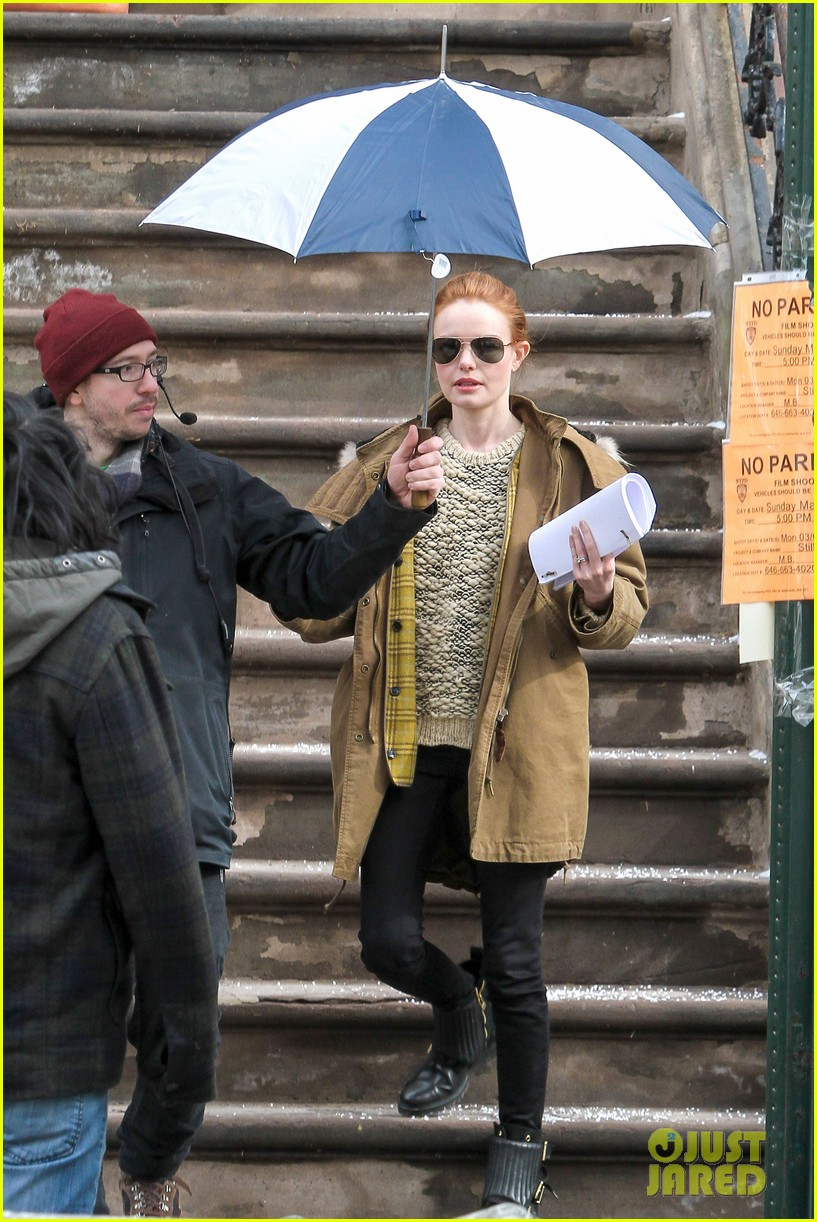 kate bosworth kristen stewart get ready for work on still alice set 033065913