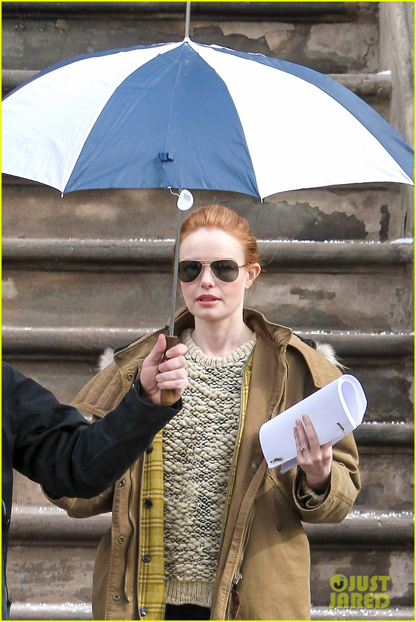 kate bosworth kristen stewart get ready for work on still alice set 083065919